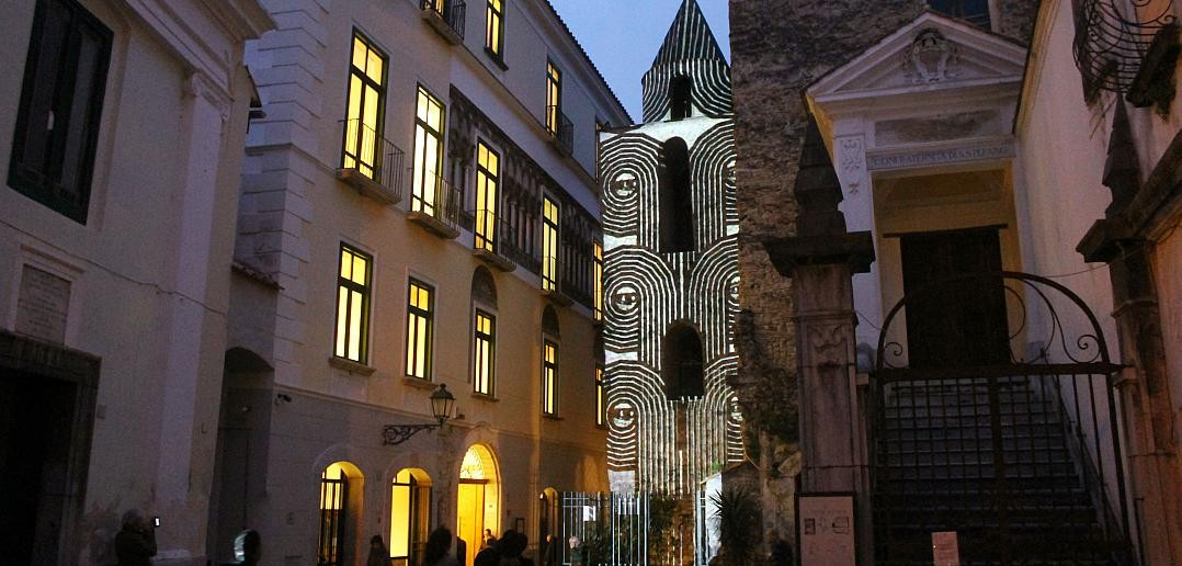 Salerno: Oltre 1000 visitatori per gli effetti luminosi di San Pietro a Corte (La Sirtide.it)